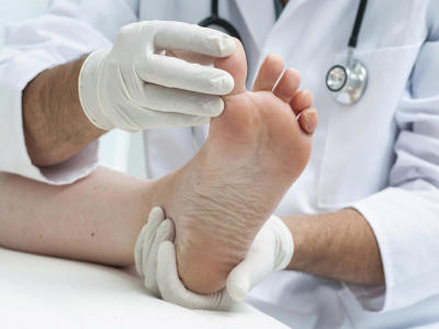 Get All The Information About The Nail Fungus Medication From Here