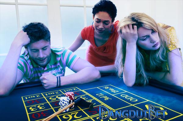 poker domino qq