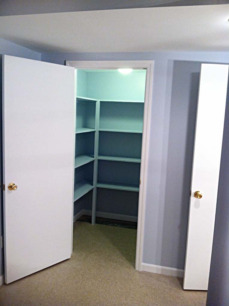 Walk-in Closets & Shelving