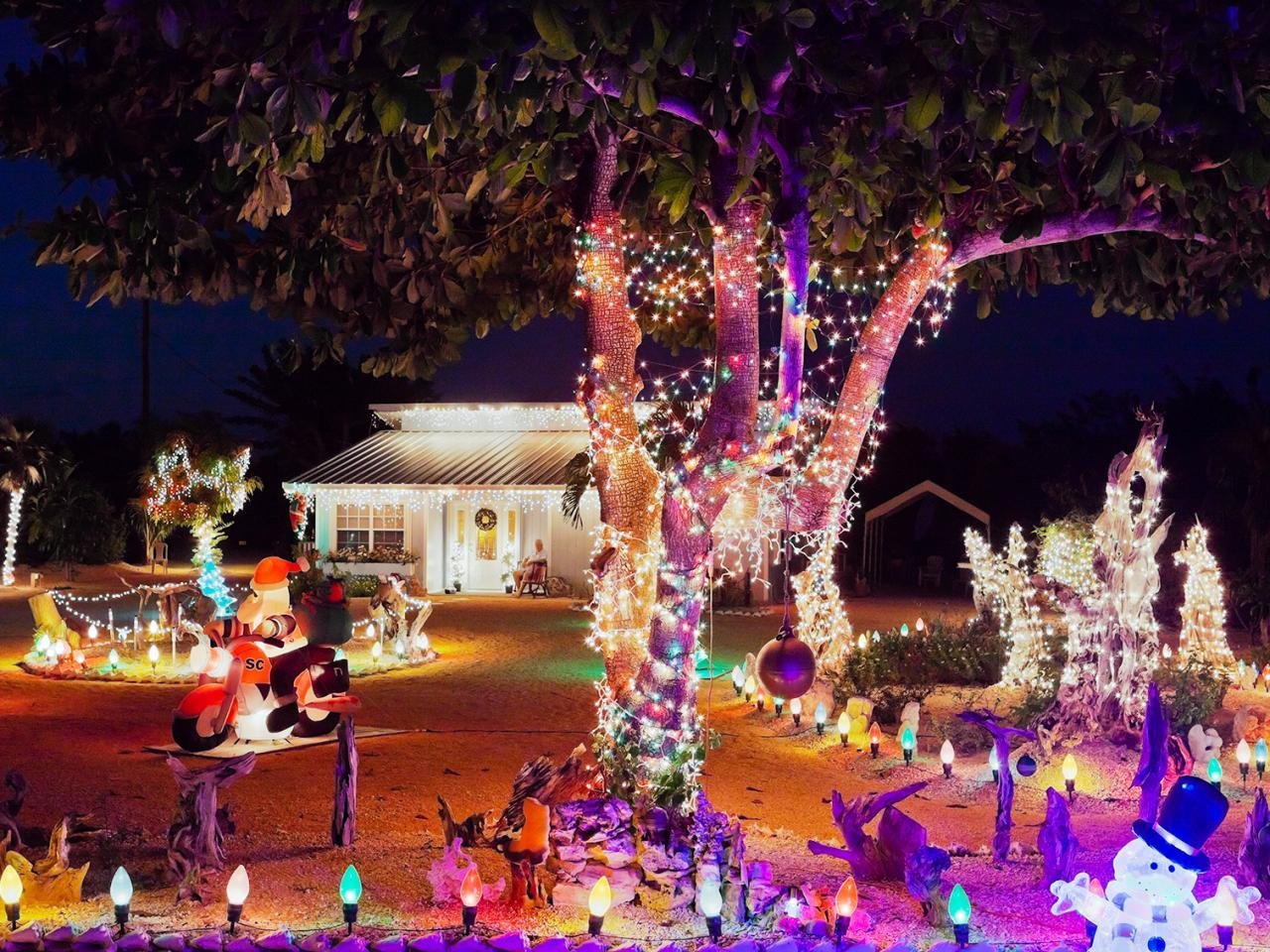 Important Factors That You Have To Consider When Hiring A Holiday Light Installation Company