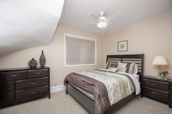 Queen Bedroom 1st Floor Guest Suite Roscoe Village Inn Vacation Rental in Chicago