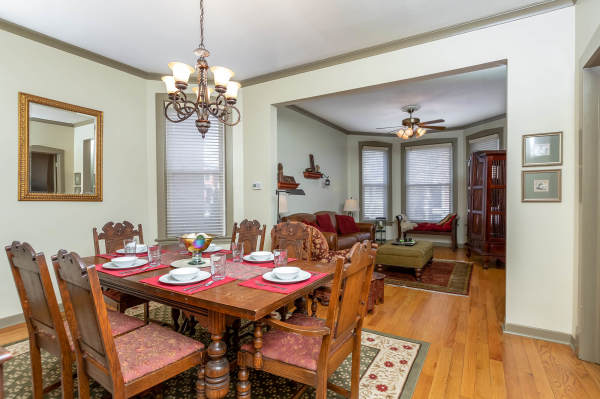 Dining room 1st Floor Guest Suite Roscoe Village Inn Vacation Rental in Chicago