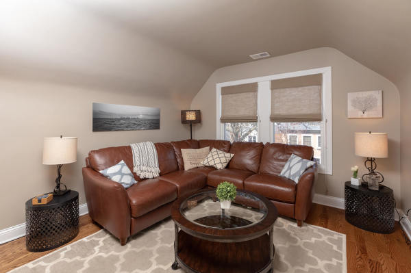 Living Room 3rd Floor Guest Suite Roscoe Village Inn Vacation Rental in Chicago
