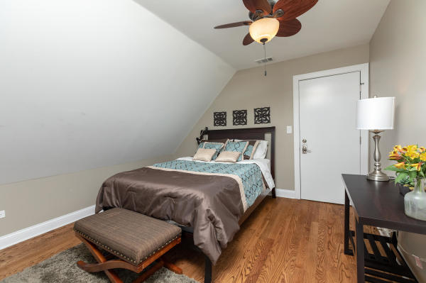 Queen Bedroom 3rd Floor Guest Suite Roscoe Village Inn Vacation Rental in Chicago