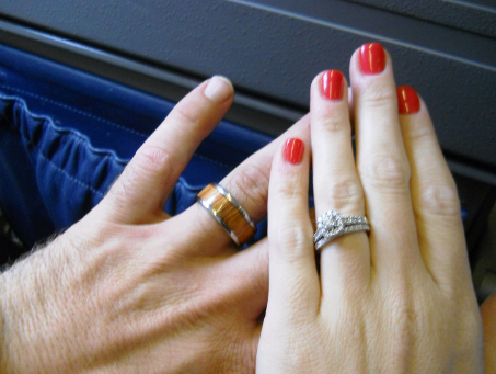 Important Reasons Why You Need to Buy a Titanium Ring for Your Next Anniversary