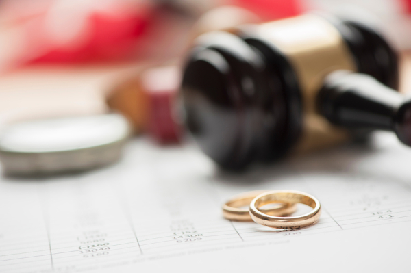 How to Identify a Reliable Divorce Lawyer