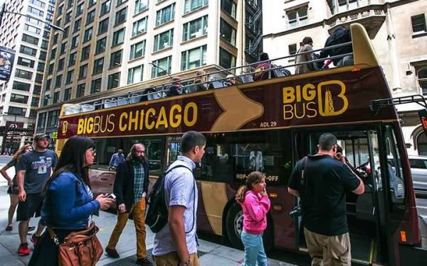 big bus tour bus in chicago
