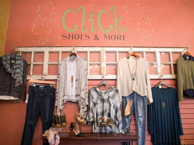 Click Shoes ad Chicago