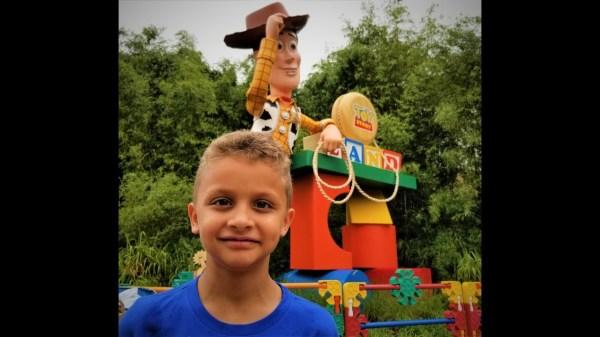Orlando - Sneak Peek Disney's Toy Story Land POV Alien Swirling Saucers