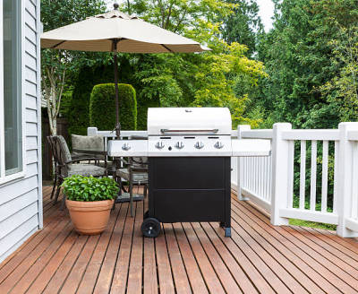 Tips for Buying a Deck for Your Backyard Today