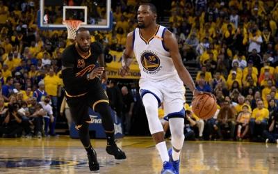 NBA Finals Game 3:Golden State Warriors 110-102 Cleveland Cavaliers