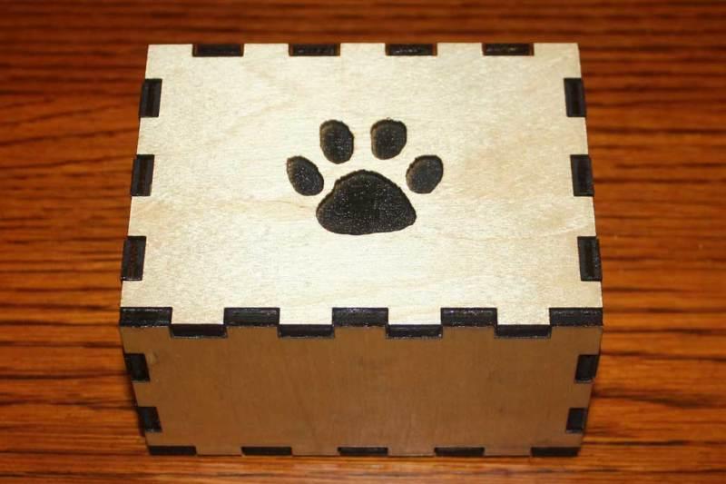 Birch Puzzle urns
