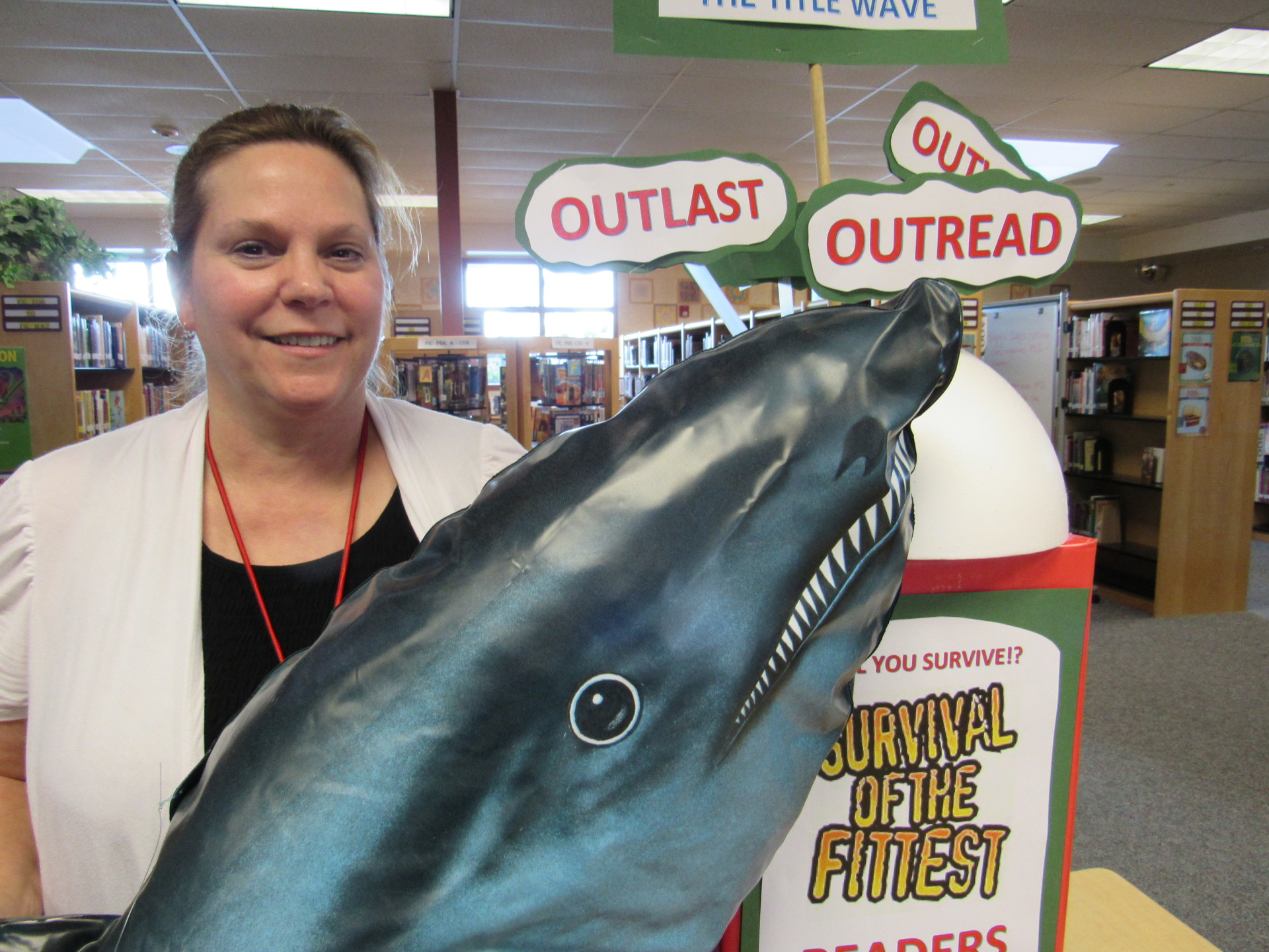 I will create interesting Library themes to promote reading. ~ Laurie Smallis