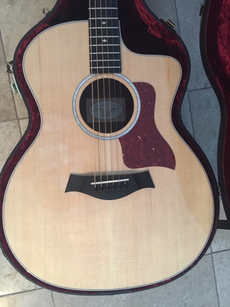 2016 Taylor 214ce DLX Acoustic/ Electric
