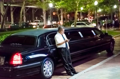 What to Look for when Searching for a Good Airport Limousine Services