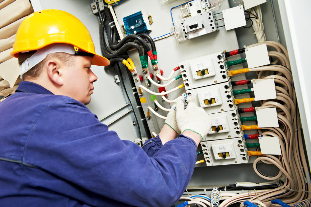 Factors To Consider When Choosing Commercial Electrical Maintenance Services