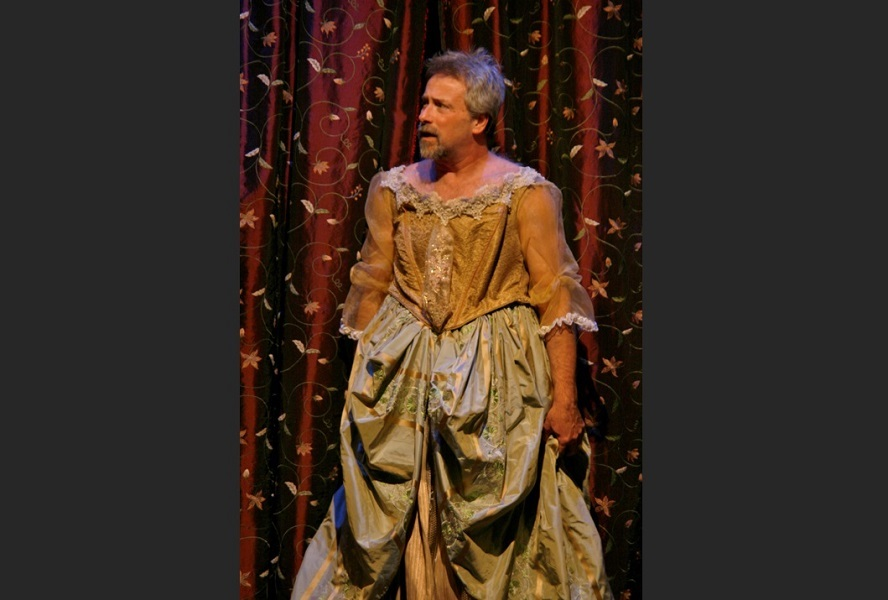 As King James I in A KING'S LEGACY | Photo: Valerie Clear