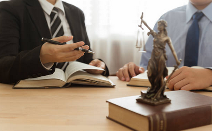 Advantages That Come With Hiring a Lawyer