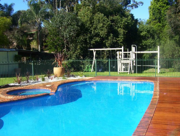 Choosing the Best Pool Builders