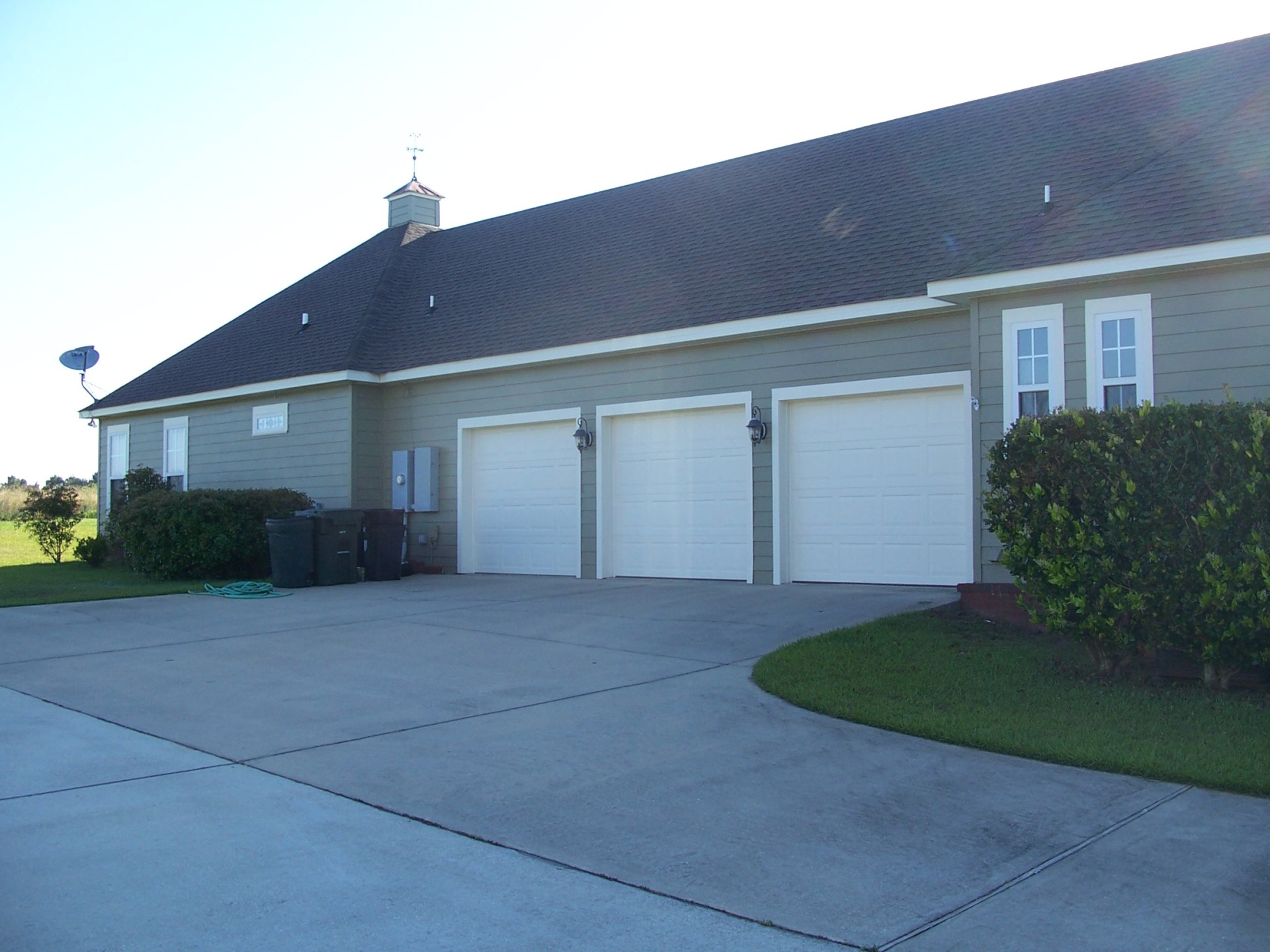 3 car garage door painting