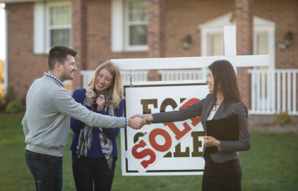 Essential Reasons to Hire Real Estate Agents