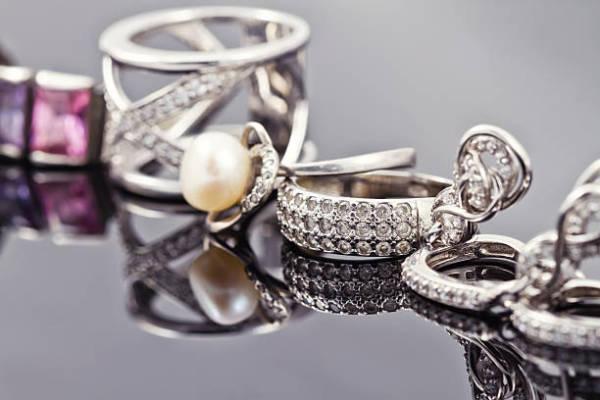 Choosing Handcrafted Jewelry Design Online