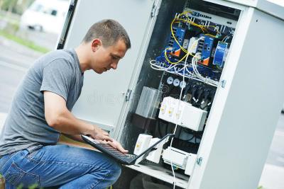 IT field engineer salary