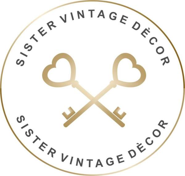 sister vintage decor
