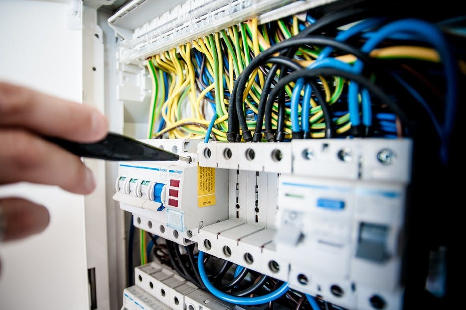 Things To Have In Mind When Looking For An Electrician