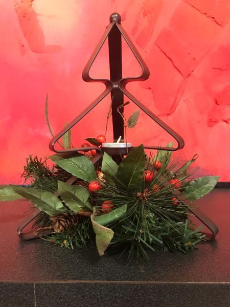 Christmas Candle Holder Arrangement