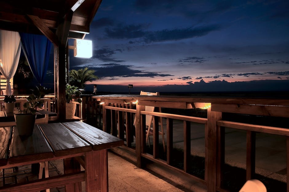 Tips on Acquiring the Services of Balcony Repair Specialist