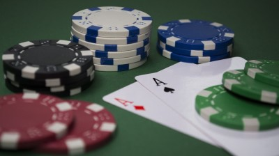 Do Not Play Free Poker Online With an Offline Mentality