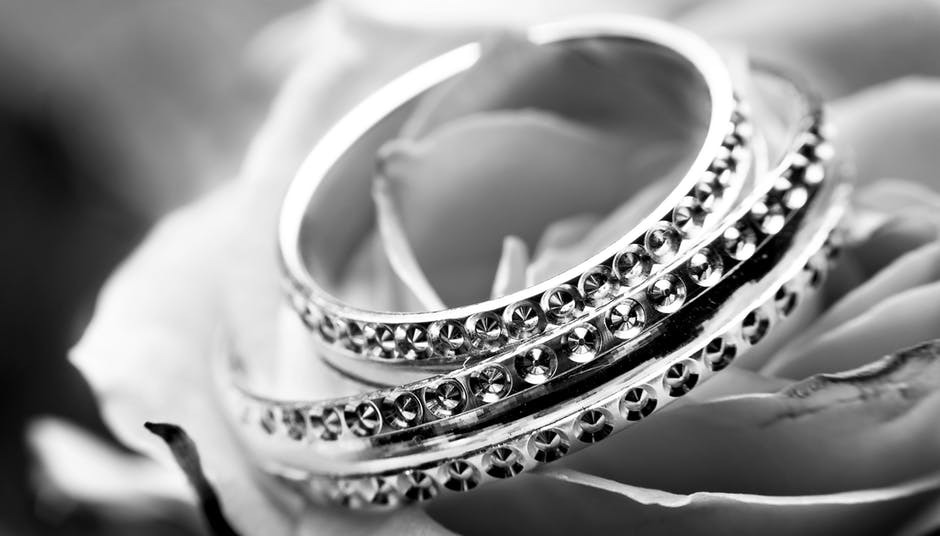 Tips to Look Into When Purchasing Custom Jewelry