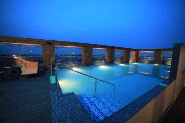 best 5 star hotel in delhi
