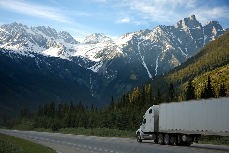 Aspects To Consider Before Using A Truck Body Service