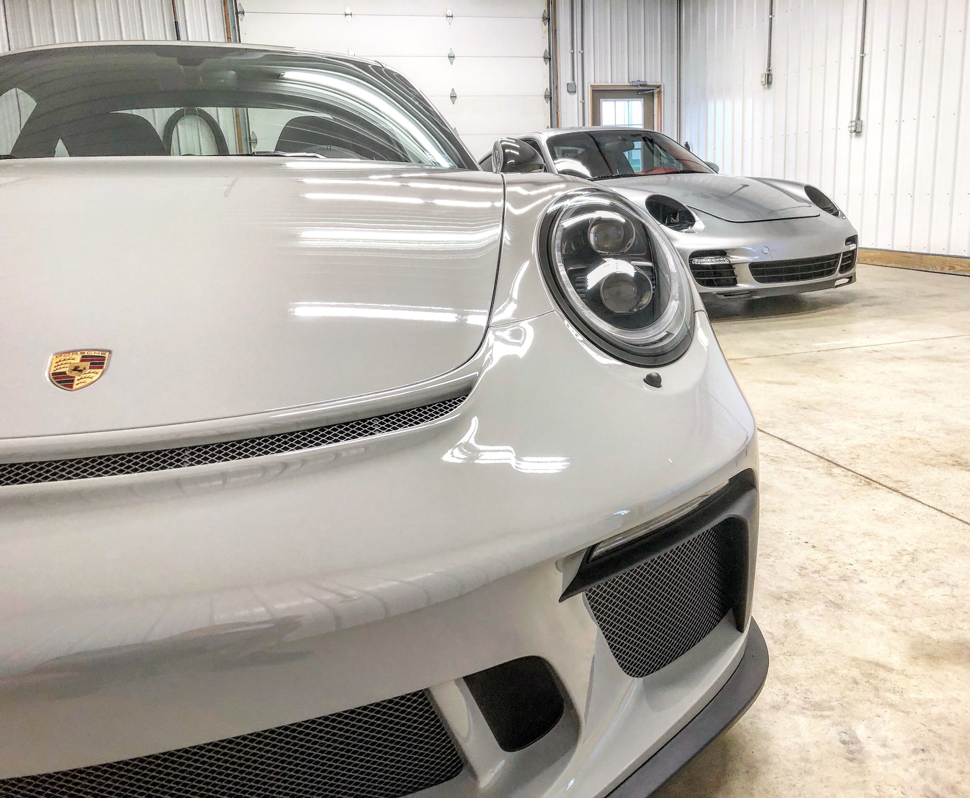 Porsche 911 GT3 Touring & 911 Turbo