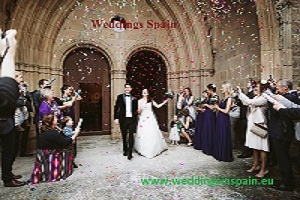 Plan Your Spain Wedding Effortlessly With These Tips