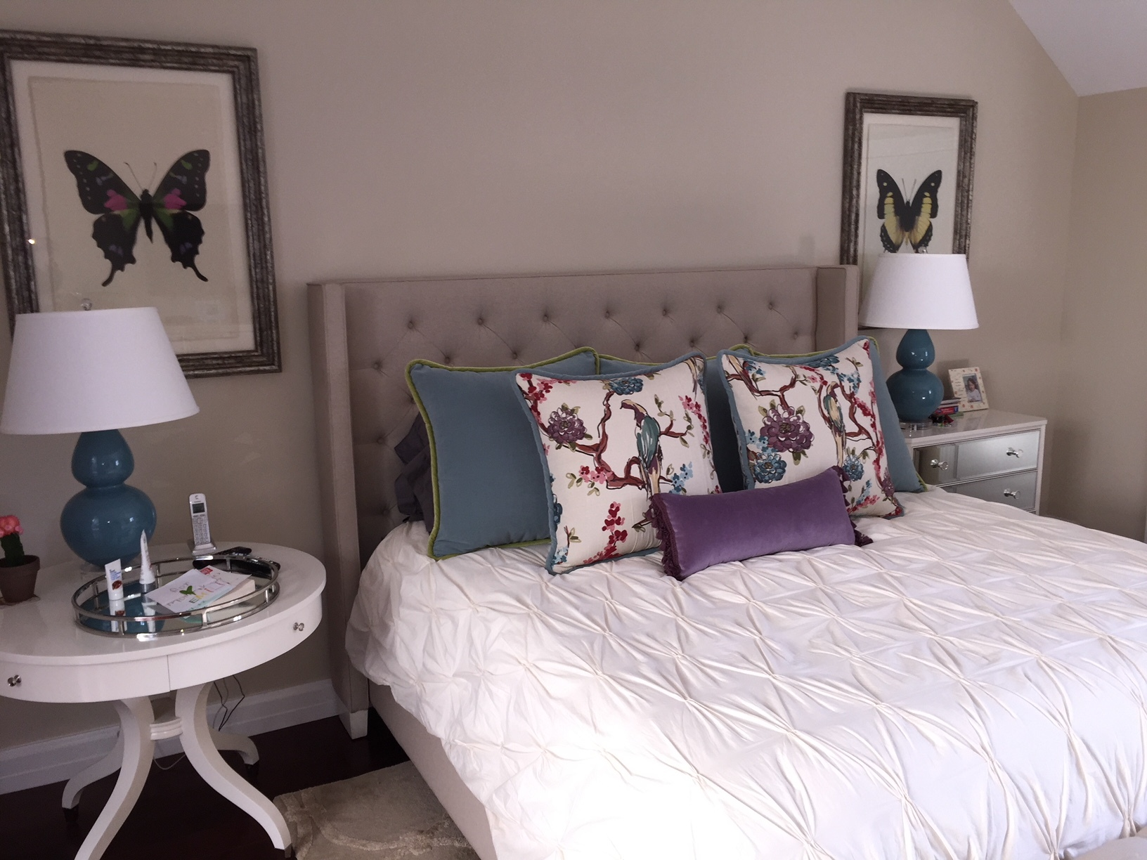 ADD THAT POP WITH CUSTOM DECORATIVE PILLOWS