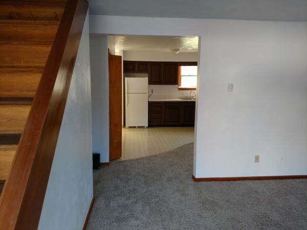 Living Room / Entry