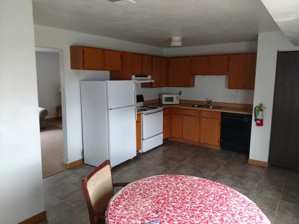 174 Susan #1 - Kitchen/Dining area