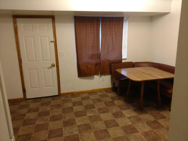 174 Susan #5 - Living Room