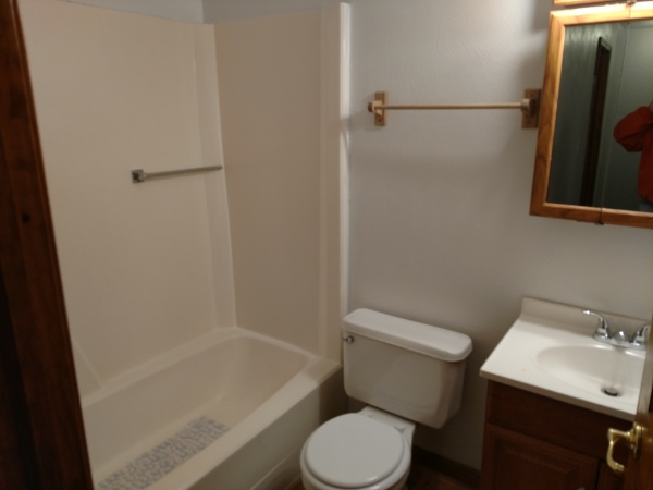 174 Susan #5 - Bathroom