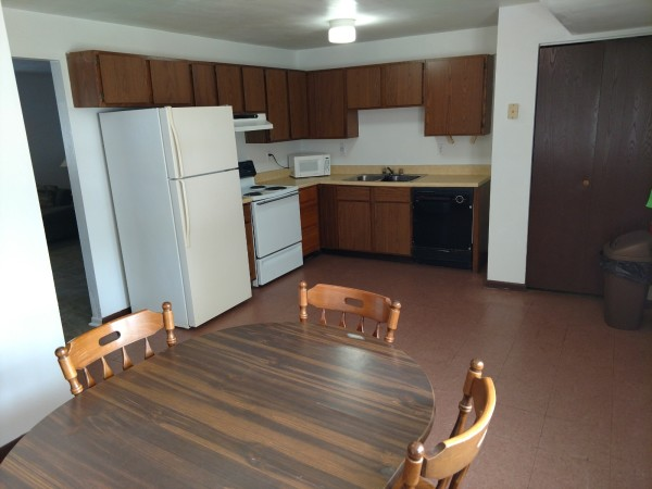 174 Susan #6 - Kitchen / Dining Area