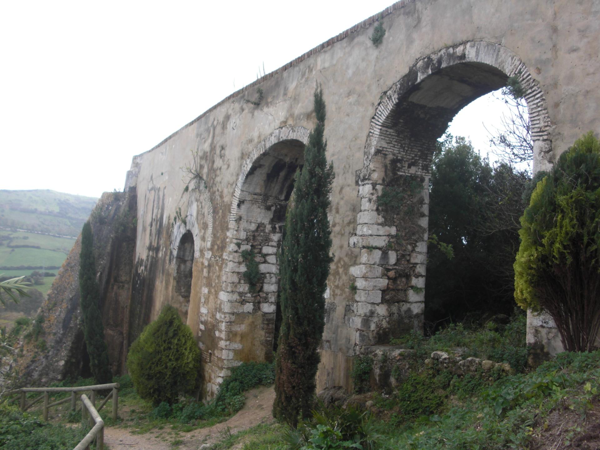 Aqueduct in Santa Lucia