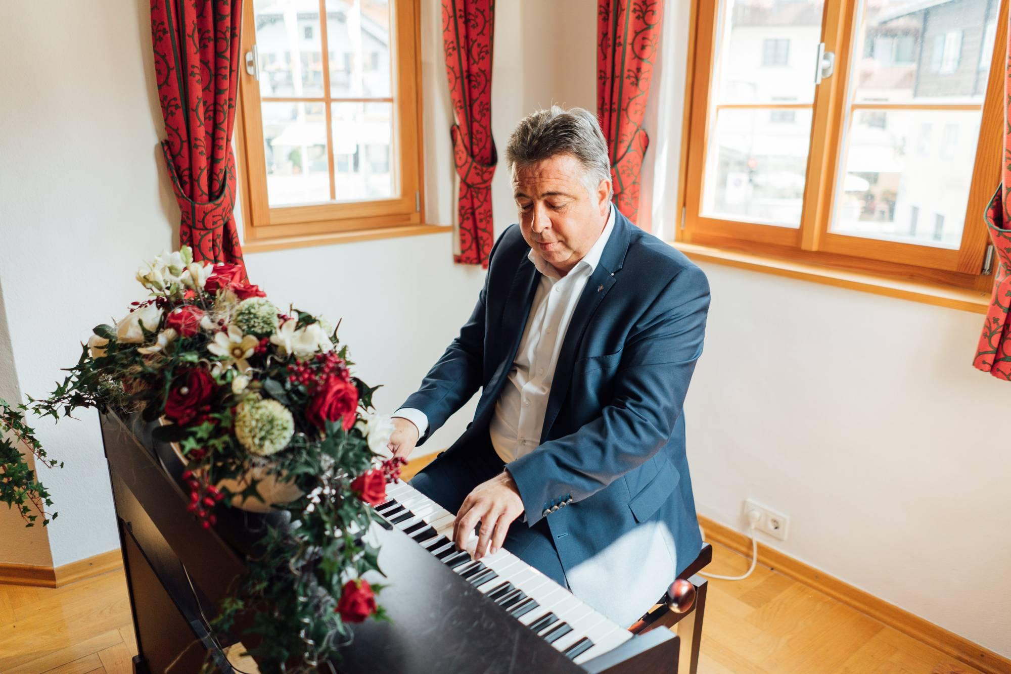 Former Mayor Peter Padourek's  musical enthusiasm