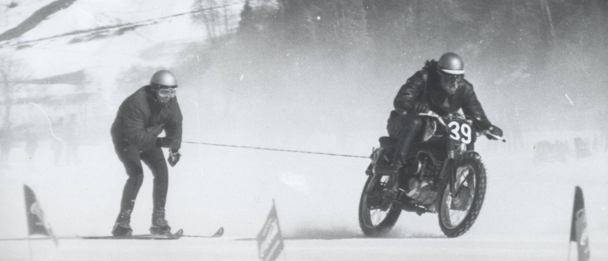 Skijoring with motordycles