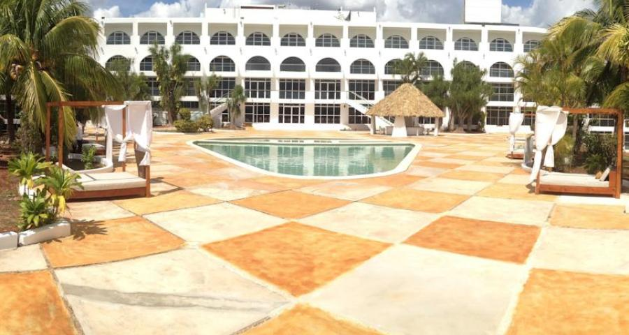 Uxmal Resort Maya.jpg