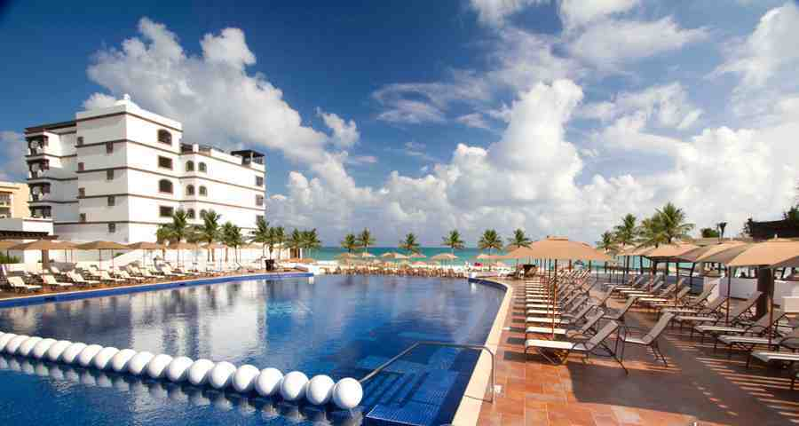 Grand Residences Riviera Cancun Resort