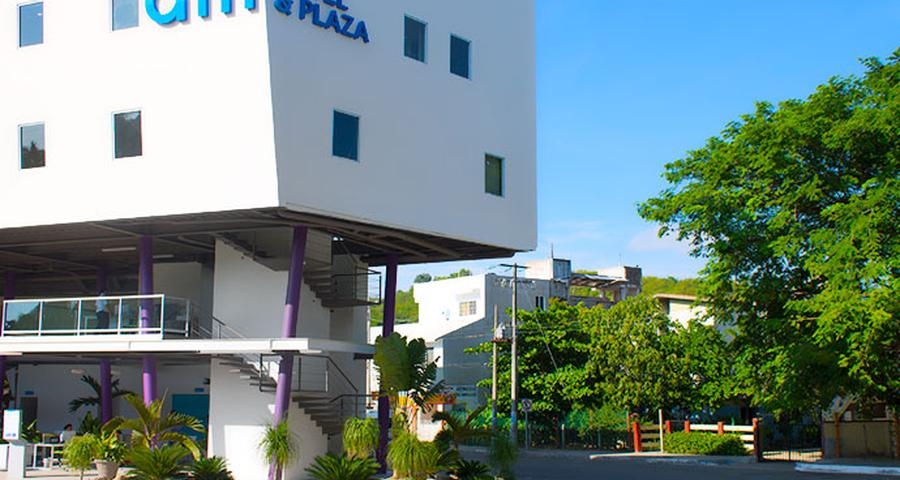 AM Hotel and Plaza