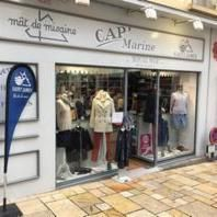 CAP' MARINE vêtement pour femme (détail)